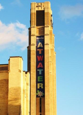 Le campanile du Marché Atwater donne l'heure en plein centre du Sud-Ouest
