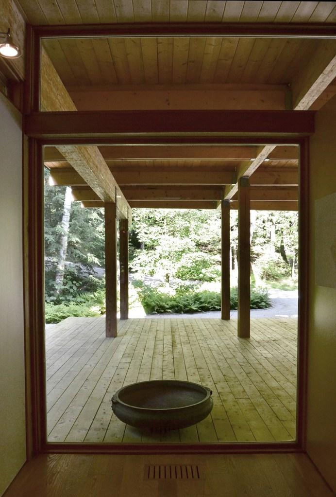 Résidence les Abouts porche ouvrant sur nature