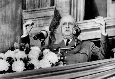 De Gaulle au balcon hôtel de ville Montréal 67